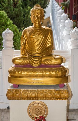 Buddha teaching Dharma at Hsi Lai Buddhist Temple